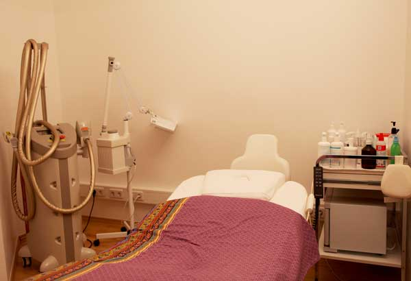 Venus & Apoll Cosmetics in Berlin Kreuzberg has an high-modern system for radiofrequency treatment